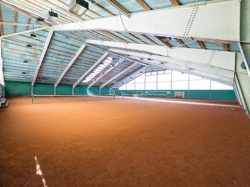 Motivation zum Sport: in der Tennishalle wetterunabhängig trainieren