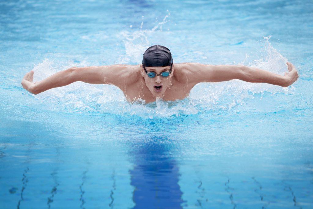Mit welcher Sportart abnehmen: Schwimmen!