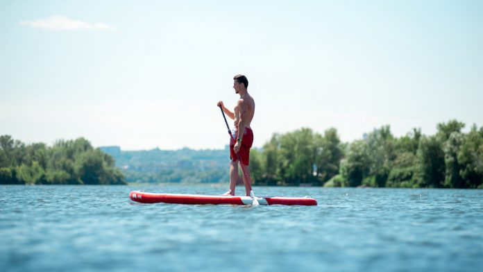 Sommersportart: SUP Stand up Paddle