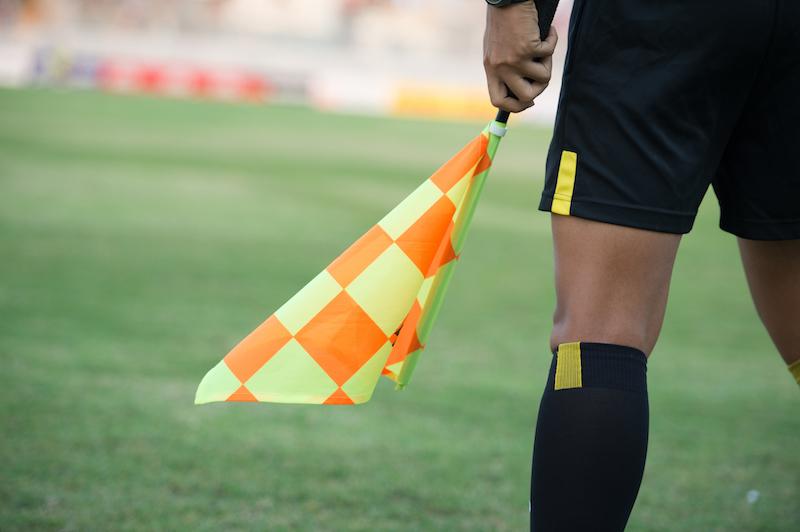 Fußballregeln - Schiedsrichter