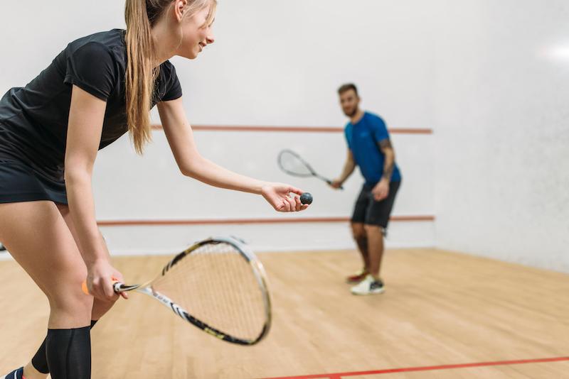Squash Tipps: mache dich mit verschiedenen Squash Schlagtechniken bekannt