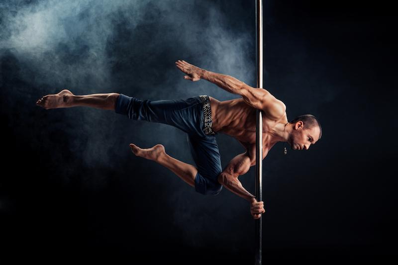 Pole Fitness ist auch für Männer bestens geeignet!